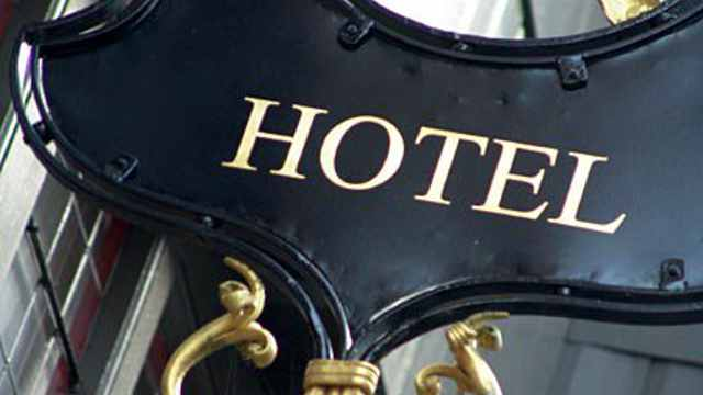 Guaranteed lowest hotel rates on-line